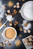 Verschillende types van suiker op zwarte lijst Stock Foto