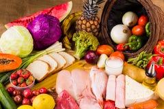 Verschillende types van voedsel Stock Afbeeldingen