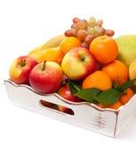 Verschillende vruchten in een dienblad Royalty-vrije Stock Afbeelding