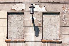Verschlossene Fenster oben bricked Stockbilder