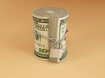Verschlossene Rolle des Dollars Lizenzfreie Stockbilder