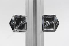 Verschlossene Türen des Lieferwagens Stockfoto