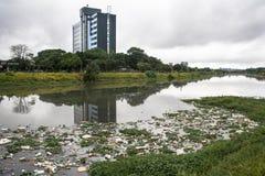 Verschmutzung Pinheiros-Fluss Lizenzfreies Stockbild