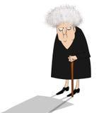 Verschrobe alte Dame, die misstrauisch schaut Lizenzfreies Stockbild