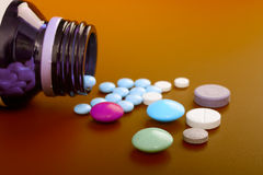 Verschüttete Tabletten Lizenzfreie Stockfotografie