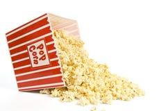 Verschütteter Eimer Popcorn Stockbild