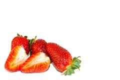 Verse aardbei op wit geïsoleerde achtergrond Rode aardbei S Stock Foto's
