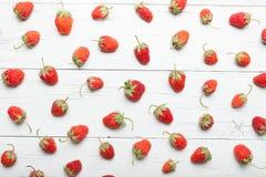 Verse aardbeiachtergrond, sappige vruchten stock foto's