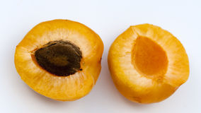 Verse abrikozen die op wit worden geïsoleerd Royalty-vrije Stock Fotografie