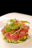 Verse Aziatische tonijn en mango tartare Stock Afbeelding