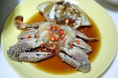 Verse blauwe krab met Sojasaus Royalty-vrije Stock Foto