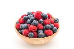 verse bosbes en rasberry op wit Royalty-vrije Stock Foto's