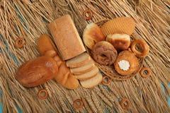 Verse brood, bakkerij en tarwe Royalty-vrije Stock Foto's