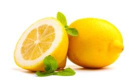 Verse citroen met munt Stock Foto's