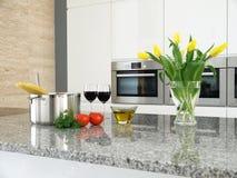 Verse componenten voor spaghetti in een moderne keuken Royalty-vrije Stock Afbeeldingen