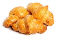 Verse croissant op witte achtergrond Stock Foto