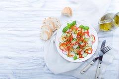 Verse de lentesalade met komkommer, radijs Royalty-vrije Stock Afbeelding