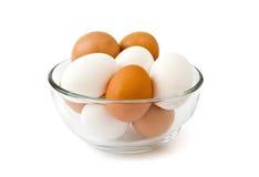 Verse eieren in de kom Royalty-vrije Stock Afbeelding