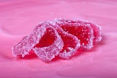 Verse eigengemaakte kaastaart met roze gelei Ondiepe diepte van gebied Royalty-vrije Stock Foto