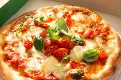 Verse Eigengemaakte Pizza Margherita Stock Afbeelding