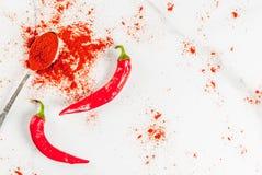 Verse en gemalen Spaanse peperpeper Stock Foto