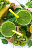 Verse en gezonde groene smoothie Stock Foto's