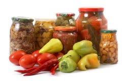 Verse en ingeblikte groenten Stock Foto's