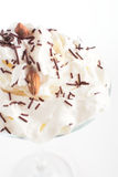 Verse en koude cocktail op witte achtergrond Royalty-vrije Stock Fotografie