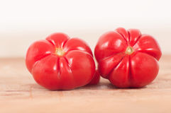 Verse en sappige rode tomaten Royalty-vrije Stock Foto's