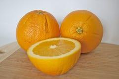 Verse en sappige sinaasappelen Royalty-vrije Stock Foto's