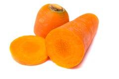 Verse en zoete die wortel op witte achtergrond 1 wordt geïsoleerd Stock Fotografie