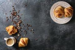 Verse gebakken croissanten Stock Foto