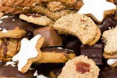 Verse gebakken Kerstmiskoekjes Royalty-vrije Stock Afbeeldingen