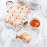 Verse gebakken madeleineskoekjes Stock Fotografie