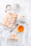 Verse gebakken madeleineskoekjes Royalty-vrije Stock Foto's