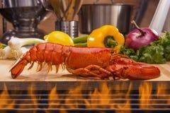 Verse Gestoomde Zeekreeft en Barbecuegrill Royalty-vrije Stock Afbeeldingen