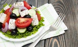 Verse Griekse salade Stock Afbeeldingen