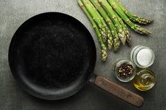 Verse groene Asperge voor het koken van maaltijd royalty-vrije stock foto's