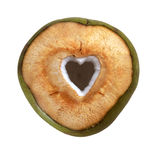 Verse groene jonge kokosnoot met verwijderde die hartvorm op witte achtergrond wordt geïsoleerd Stock Afbeelding