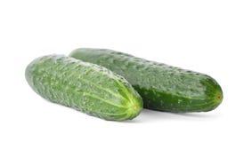Verse groene komkommers, op wit Stock Foto