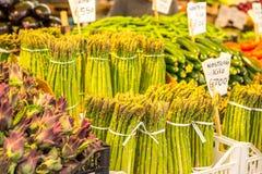 Verse groenten bij de markt van Venetië, Italië Stock Fotografie