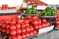 Verse groenten bij markt stock foto