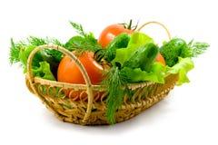 Verse groenten in een mand Stock Foto's