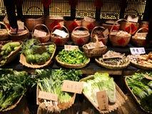 Verse groenten in een restaurant stock afbeeldingen