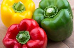 Verse groenten - Groene paprika's Stock Afbeeldingen