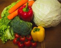 Verse groenten op de lijst Stock Fotografie