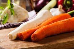 Verse groenten: wortelen en peterselie Royalty-vrije Stock Afbeelding
