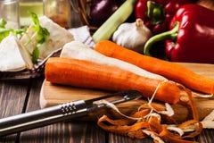 Verse groenten: wortelen en peterselie Royalty-vrije Stock Afbeeldingen