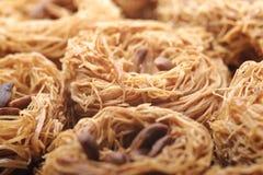 Verse heerlijke Arabische snoepjes, kanafeh Stock Foto
