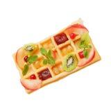 Verse hete Belgische wafel met fruit Royalty-vrije Stock Afbeeldingen